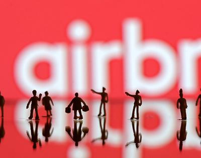 Bnbe-Les-grandes-dérives-d'Airbnb - Airbnb-s'engage-la-communauté-réagit